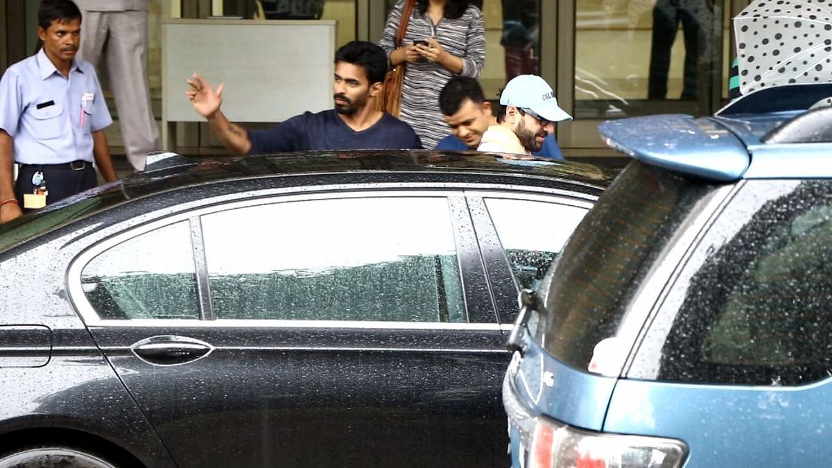 Saif Ali Khan leaving the hospital after the surgery (Photo: Yogen Shah)