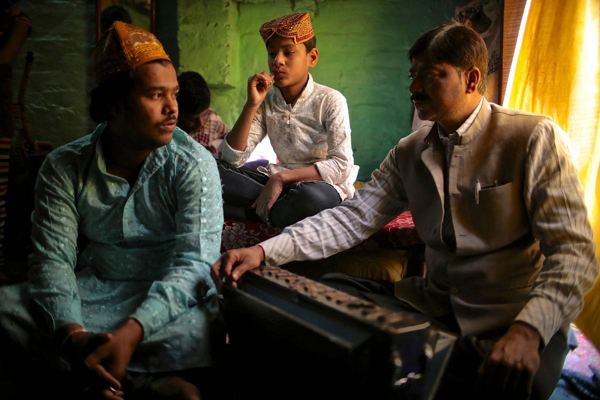 <i>Qawwali</i> singers gather in their home in a small Muslim quarter of Varanasi. (Photo: Souvid Datta)