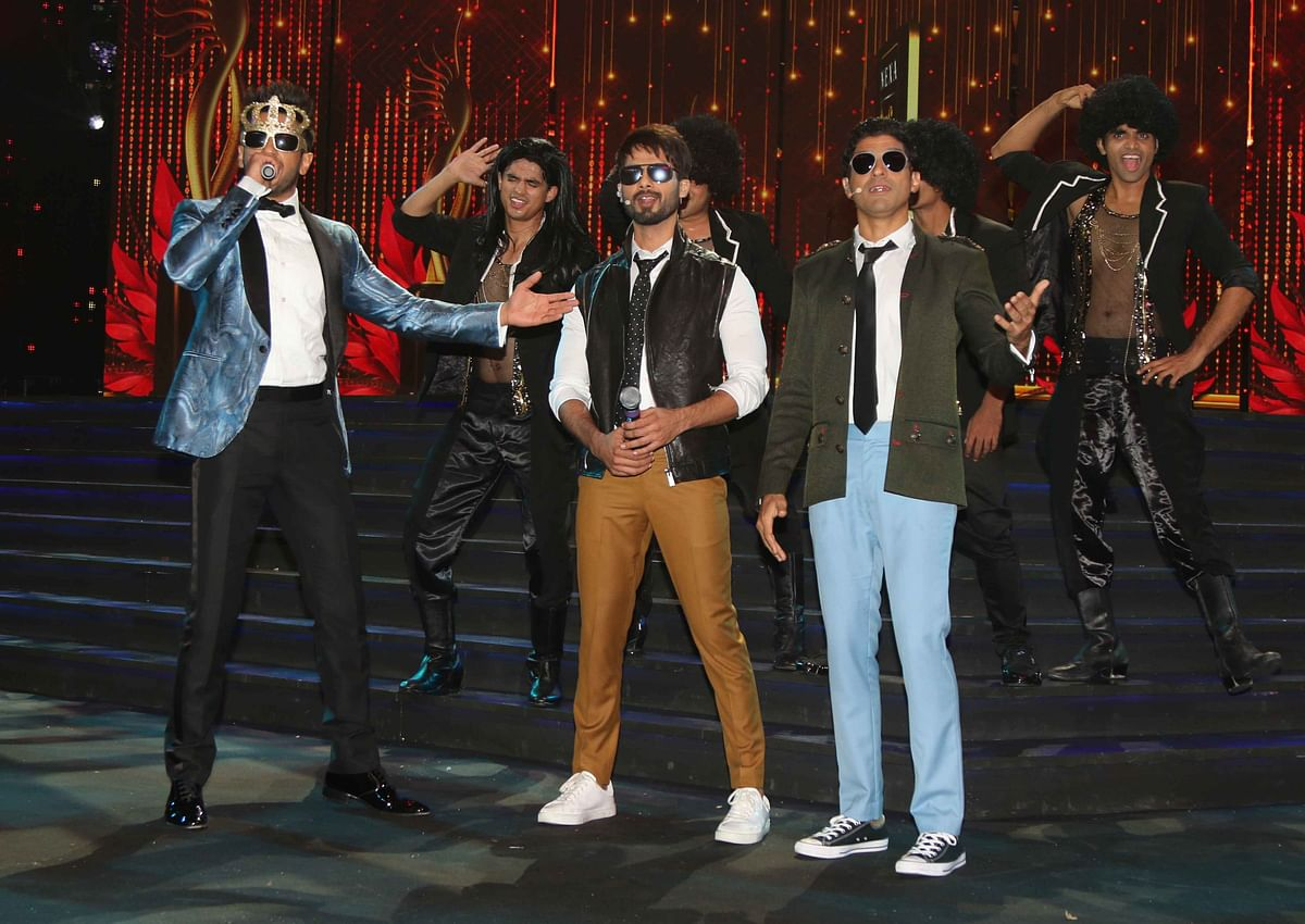 Ranveer Singh, Shahid Kapoor and Farhan Akhtar cannot stop goofing around. (Photo: Yogen Shah)