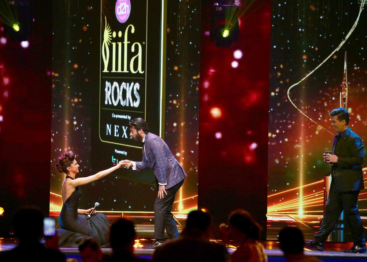 Deepika Padukone goes down on her knees for Fawad Khan. (Photo: Yogen Shah)