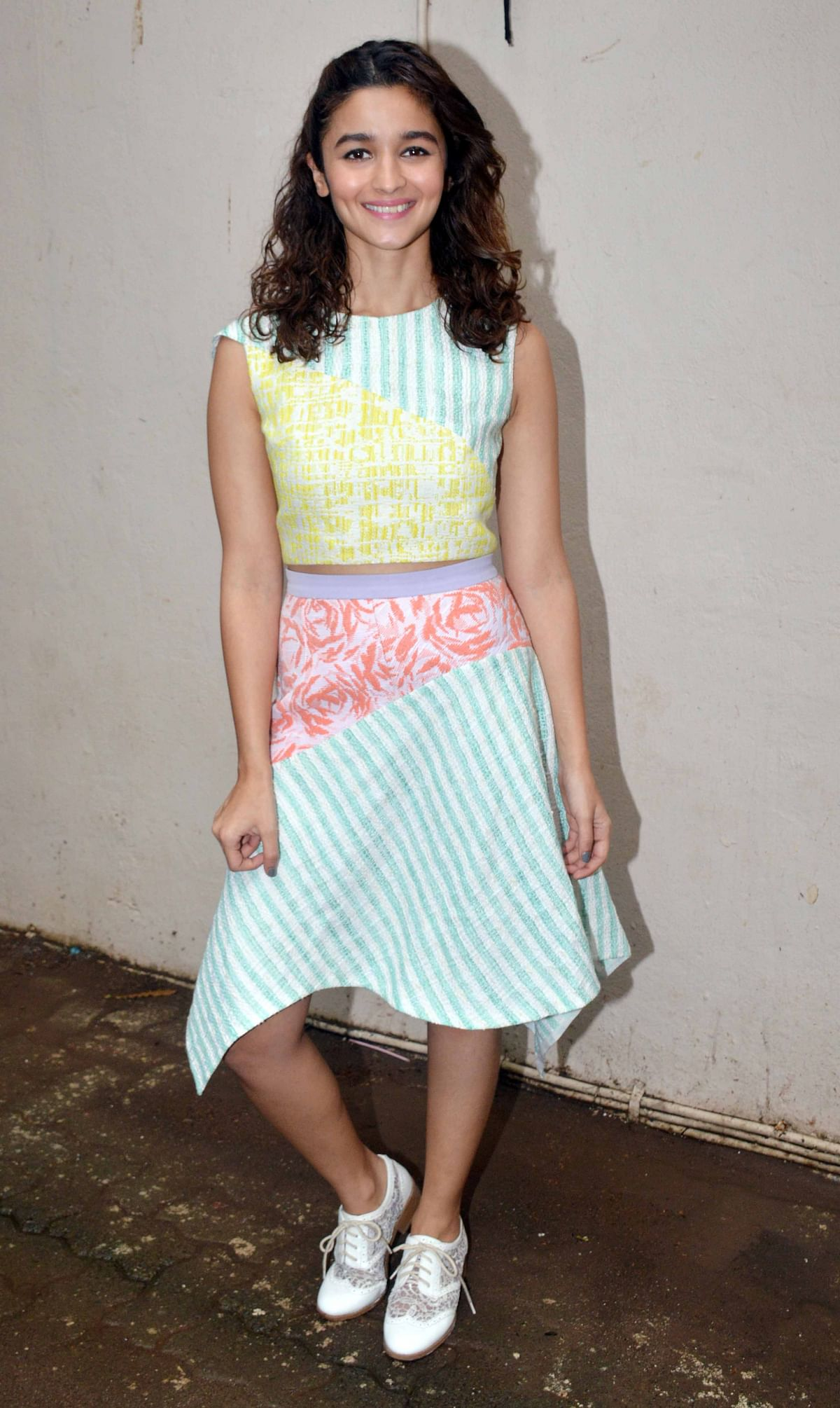 Alia is all about flirty, fun fashion in this crop top and asymmetrical skirt (Photo: Yogen Shah)