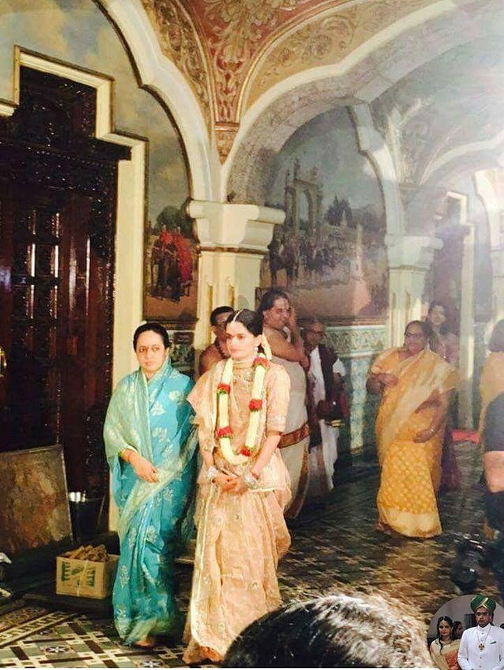 """Here comes the bride! (Photo Courtesy: FB Page of<a href=""""https://www.facebook.com/yaduveerkcwadiyar/?fref=ts""""> Yaduveer Krishnadatta Chamaraja Wadiyar- The New scion</a>)"""