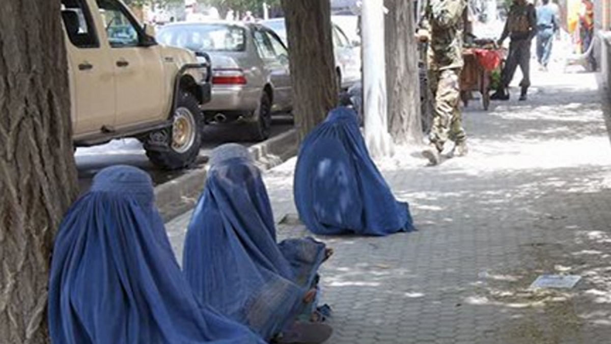 """Pakistani beggars are allegedly being employed to carry out intelligence surveillance activities. (Photoz; Twitter/ <a href=""""https://twitter.com/TOLOnews"""">TOLOnews</a>)"""