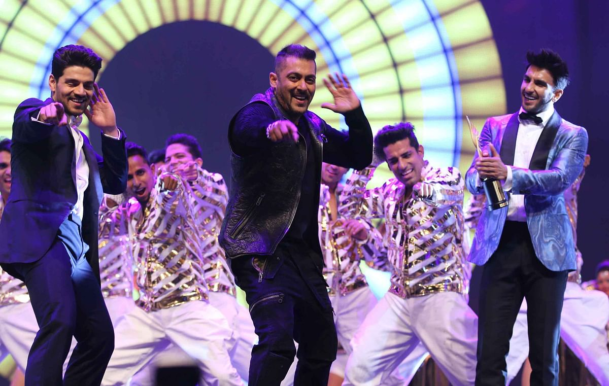 Sooraj Pancholi, Salman Khan and Ranveer Singh perform at IIFA. ( Photo: Yogen Shah)