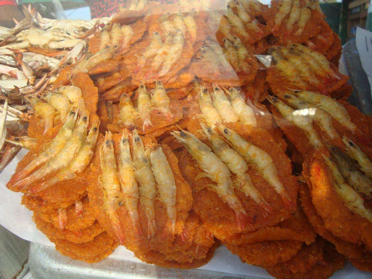 Shrimp vadais are a popular snack (Photo: Suktara Ghosh)