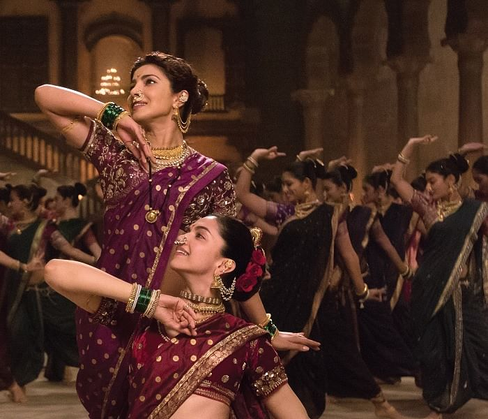 Priyanka Chopra and Deepika Padukone in a scene from <i>Bajirao Mastani</i> (Photo courtesy: YouTube/EROS Now)