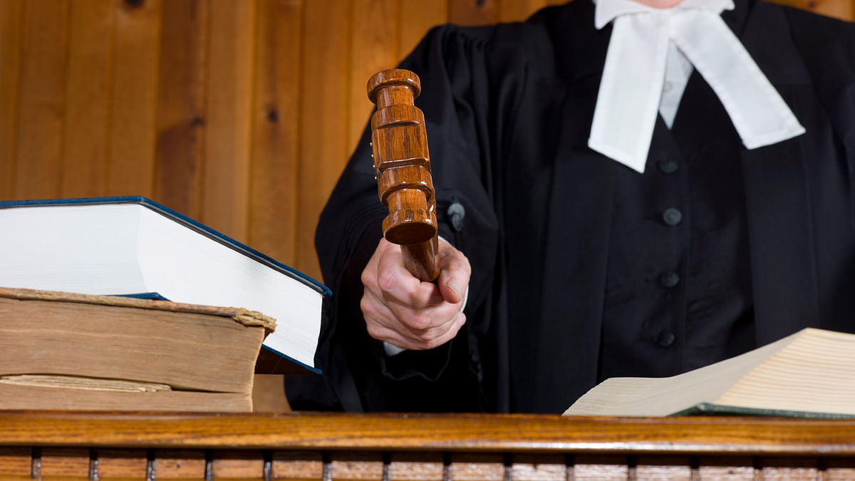 Is bureaucracy adding to the burden of the judiciary by filing cases, without consulting the Law Ministry? (Photo: iStock)