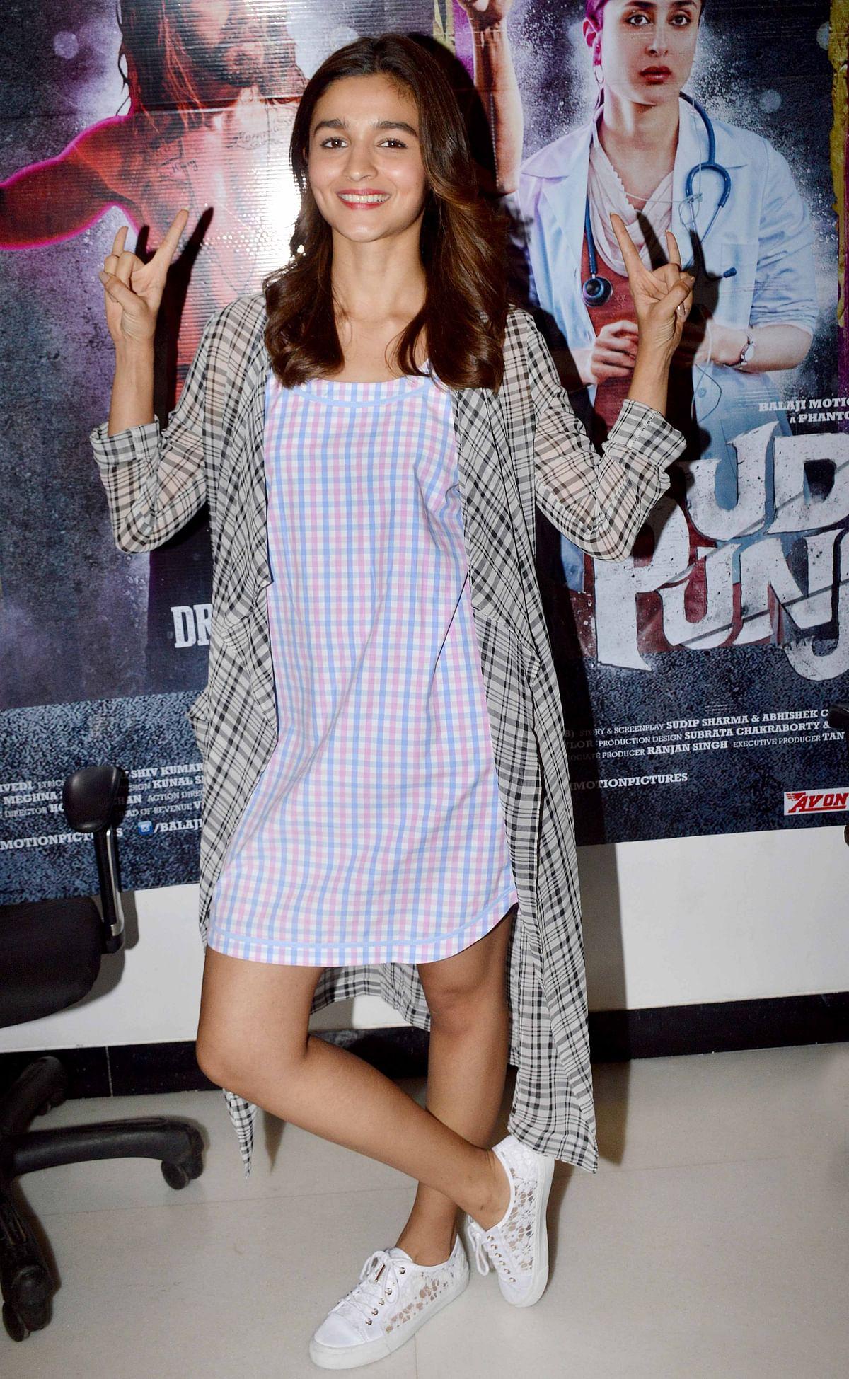 The <i>Udta Punjab</i> actress aces it with checks (Photo: Yogen Shah)