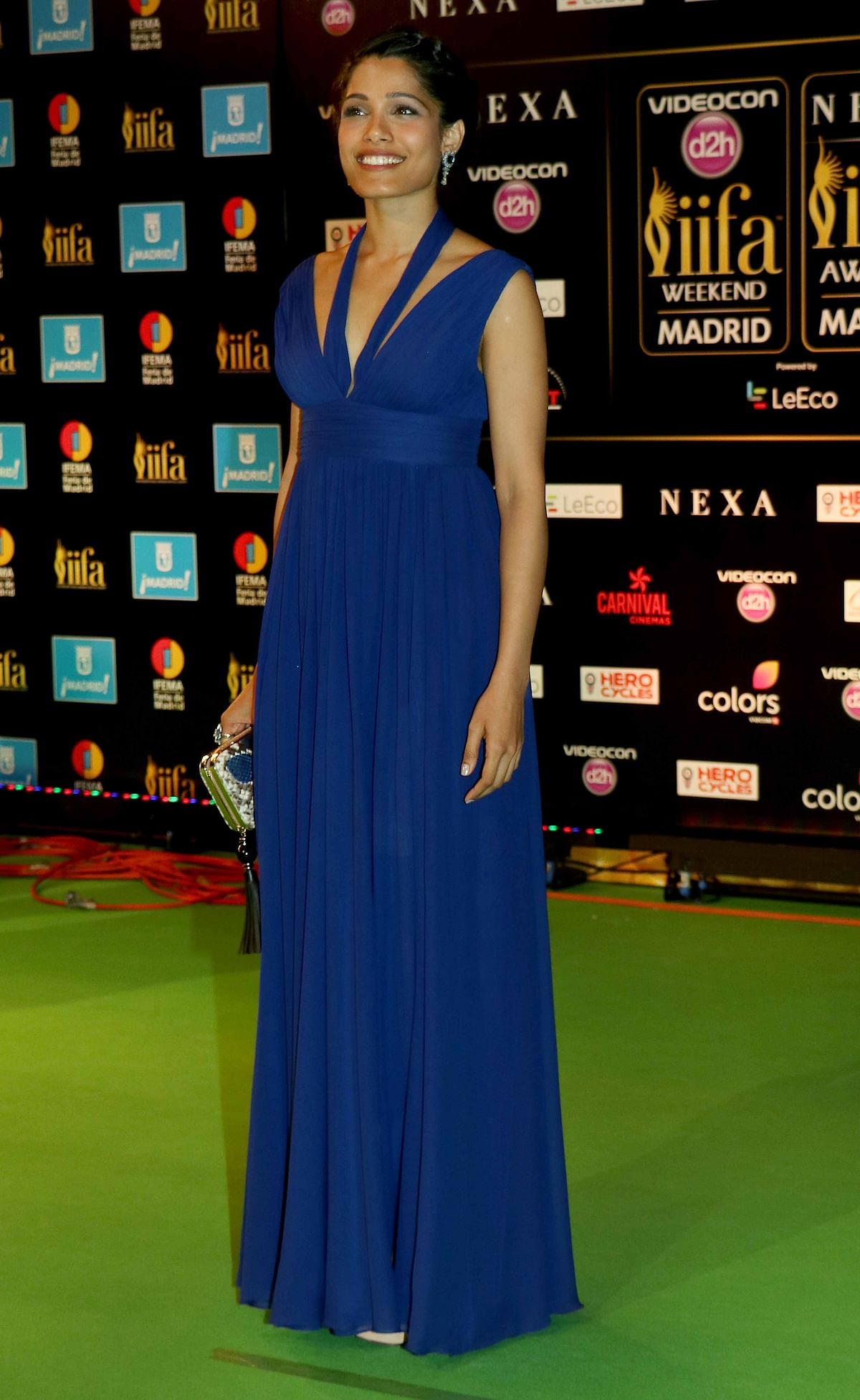Frieda Pinto walked the IIFA green carpet in a blue Elie Saab gown. ( Photo: Yogen Shah)
