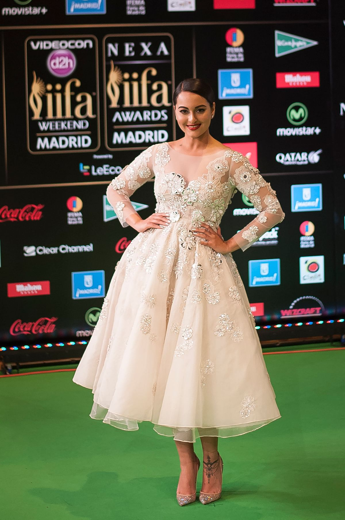 Sonakshi SInha at IIFA Awards. (Photo: AP)