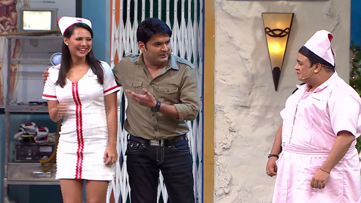 "Kapil Sharma with actors playing nurses on his show (Photo Courtesy: <a href=""https://www.youtube.com/watch?v=CVnH-dABvPQ"">YouTube/@SETIndia</a>)"