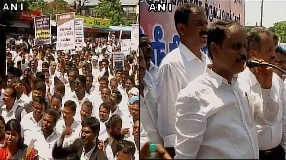Lawyers protest in Chennai against High Court amendment to Advocate act which enables it to debar erring lawyers. (Photo: ANI)