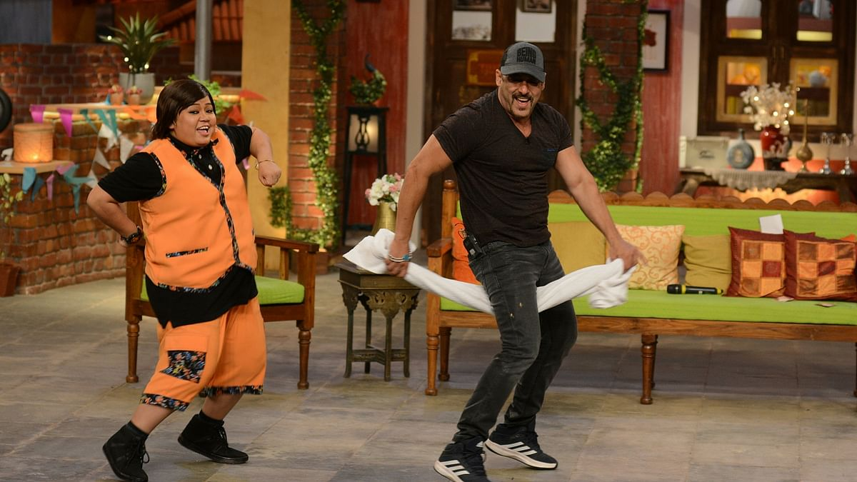 Bharti Singh and Salman Khan on the sets of <i>Comedy Nights Live</i>. (Photo Courtesy: Colors PR Team)