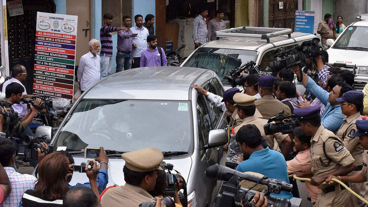 Five accused, arrested by NIA in connection with suspected IS links, being produced at Nampally criminal courts in Hyderabad on Thursday. (Photo: PTI)