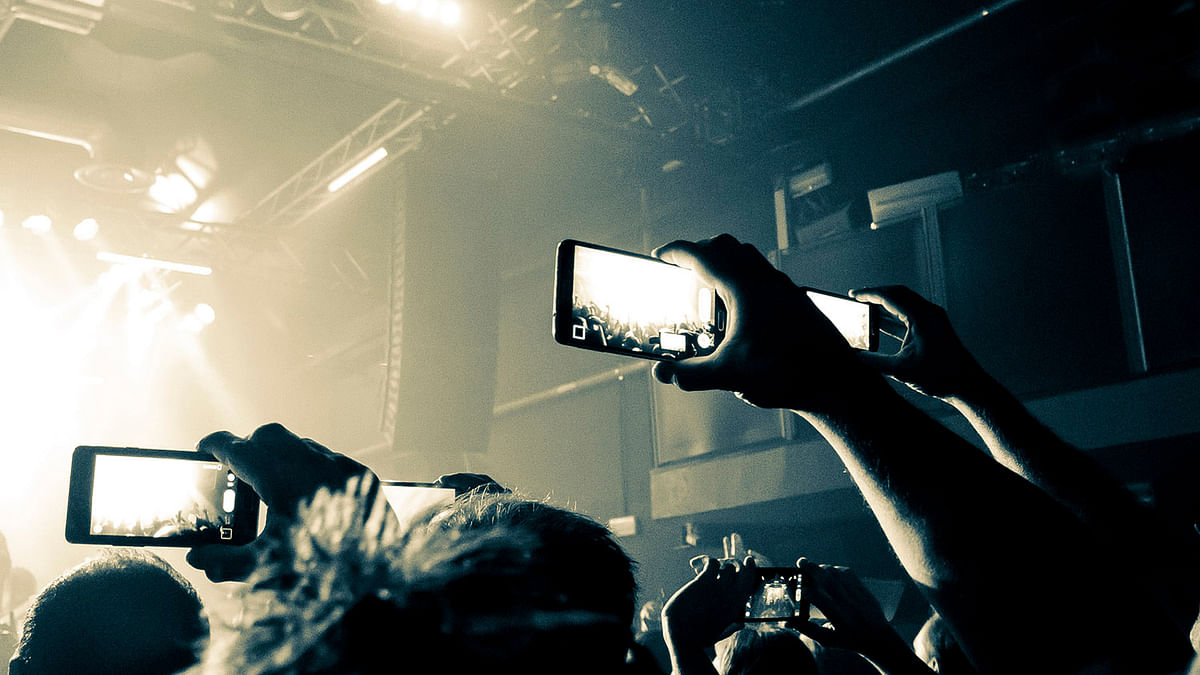 You will be automatically stopped from shooting videos. (Photo: iStockphoto)