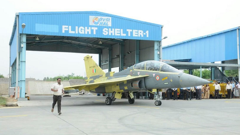 While the IAF insists on a production rate of 16 Tejas every year,  HAL is unable to deliver beyond eight. (Photo Courtesy: Press Information Bureau)