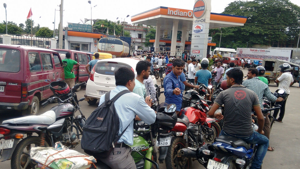 Delhi: Petrol Price Crosses Rs 100 per Litre After Yet Another Hike