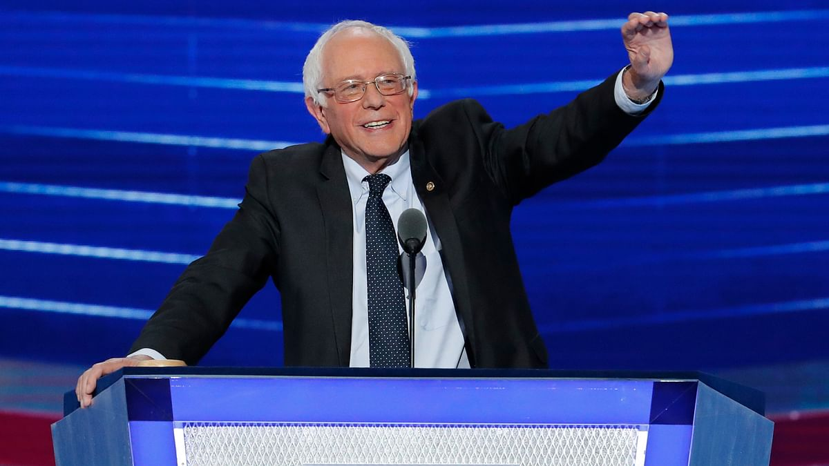 Former Democratic presidential candidate Bernie Sanders waves to delegates  during the first day of the Democratic National Convention in Philadelphia. (Photo: AP)
