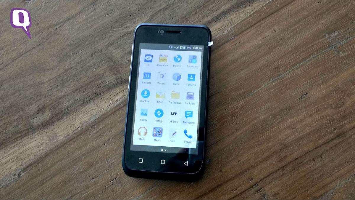 Reliance Lyf Flame 6 phone sans Google Play Store. (Photo: <b>The Quint</b>)