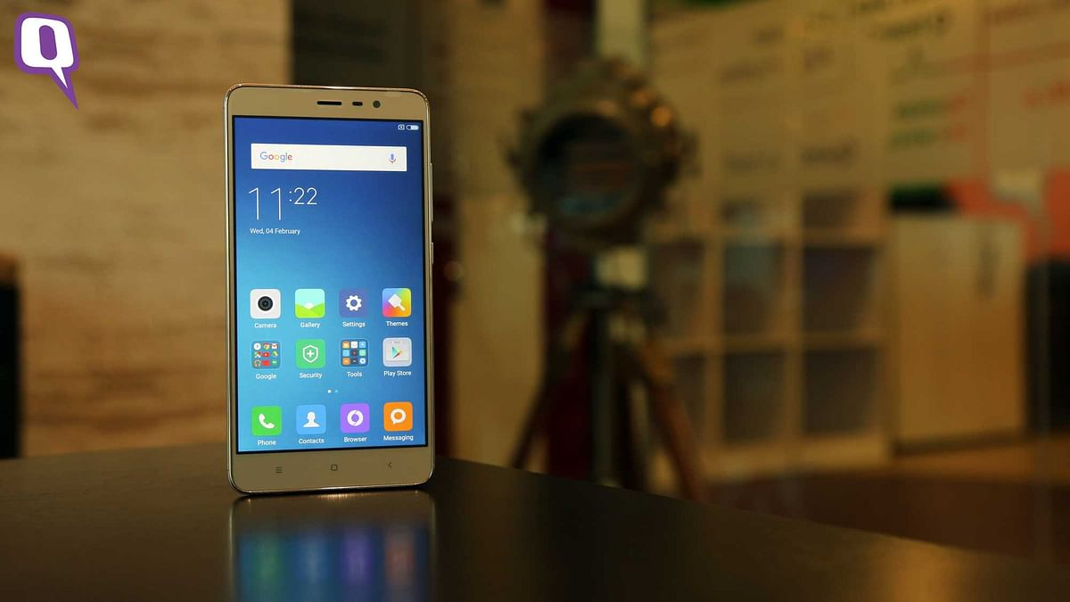 Xiaomi's Redmi Note 3 is an affordable full-metal body phone. (Photo: <b>The Quint</b>)