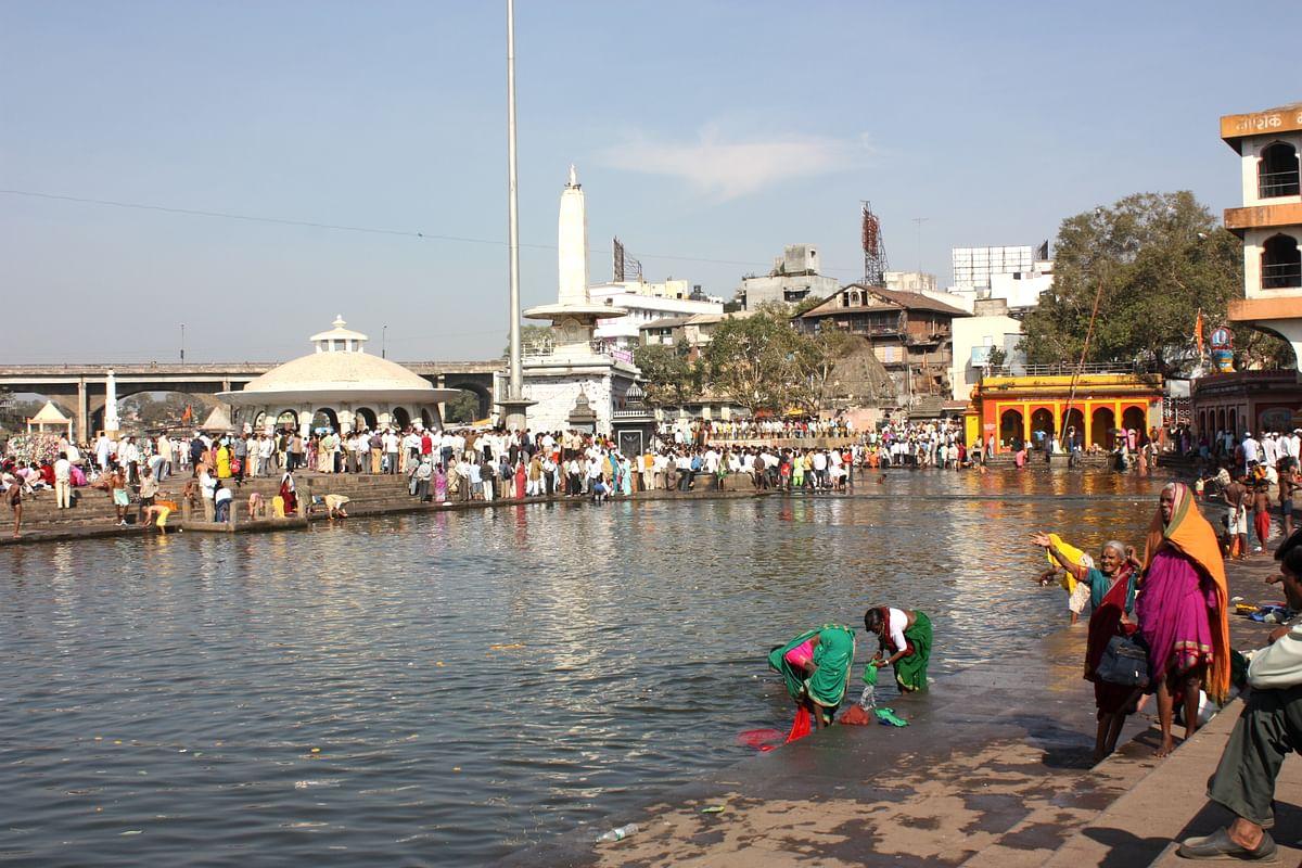 Ramkund on the Godavari in Nashik. (Photo: Arian Zwegers)