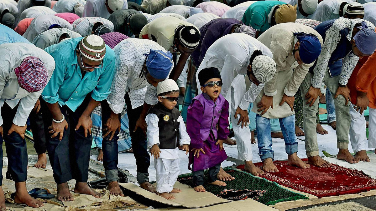 People offering  Friday prayers near the Tipu Sultan Mosque in Kolkata. Image used for representational purposes.