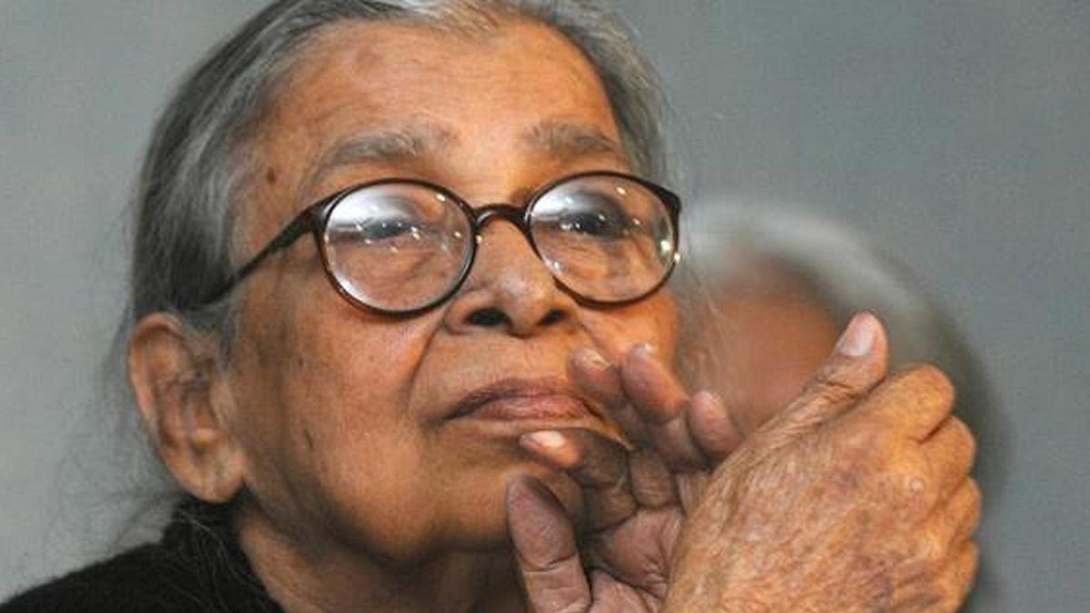 "Mahasweta Devi. (Photo Courtesy: Twitter/<a href=""https://twitter.com/airnewsalerts"">@airnewsalerts</a>)"