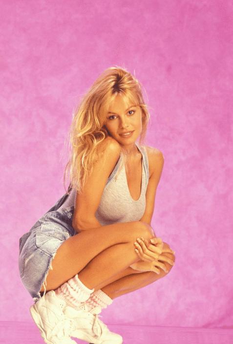"Pamela Anderson's natural sex appeal. (Photo Courtesy: <a href=""https://twitter.com/shakirasgypsy/status/714026753077997568"">Twitter/@shakiragypsy</a>)"