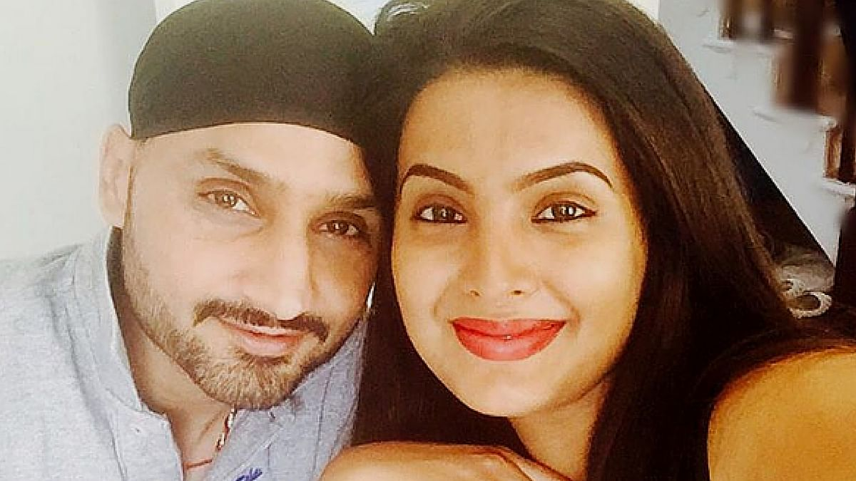 "Harbhajan Singh with Geeta Basra. (Photo courtesy: Instagram / <a href=""https://www.instagram.com/p/BIAG3qeAM5B/?taken-by=geetabasra&amp;hl=en"">geetabasra</a>)"