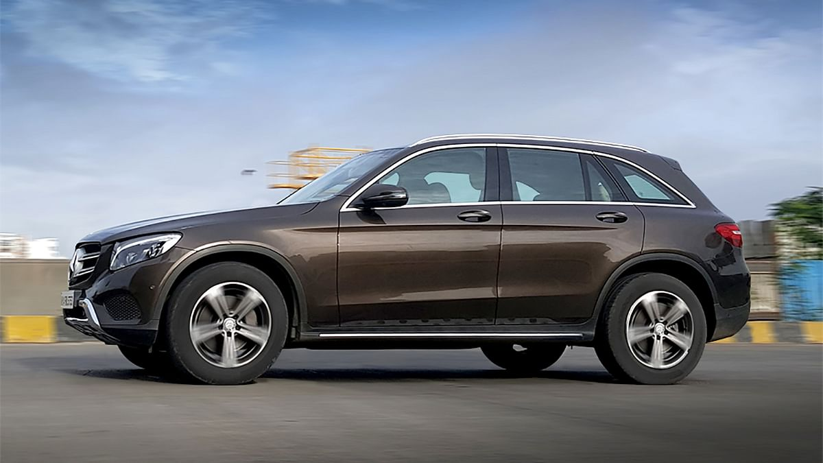 The long, brawny Mercedes-Benz GLC 220d is game for a long drive. (Photo: Motorscribes)