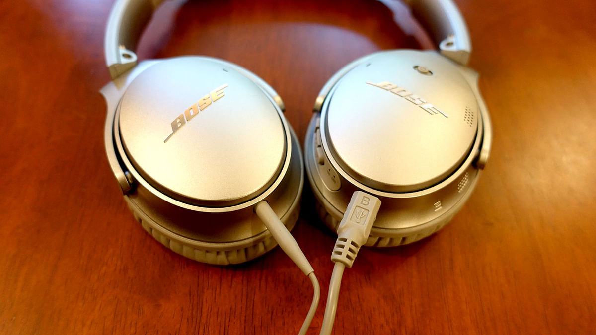 """Bose QC35 - wires are optional, though you will need to charge from time to time (Photo: <b>The Quint</b>/<a href=""""https://twitter.com/2shar"""">@2shar</a>)"""