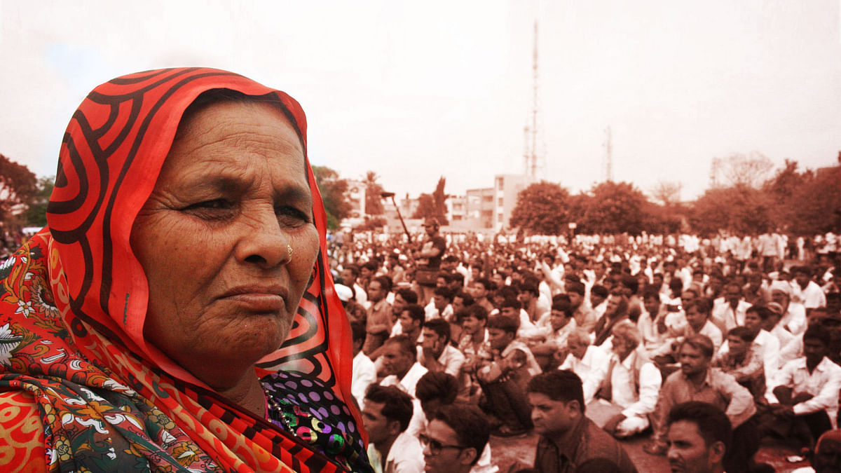 A sizeable proportion of the Dalit rising at Una was women. (Photo Courtesy: Revati Laul, altered by <b>The Quint</b>)