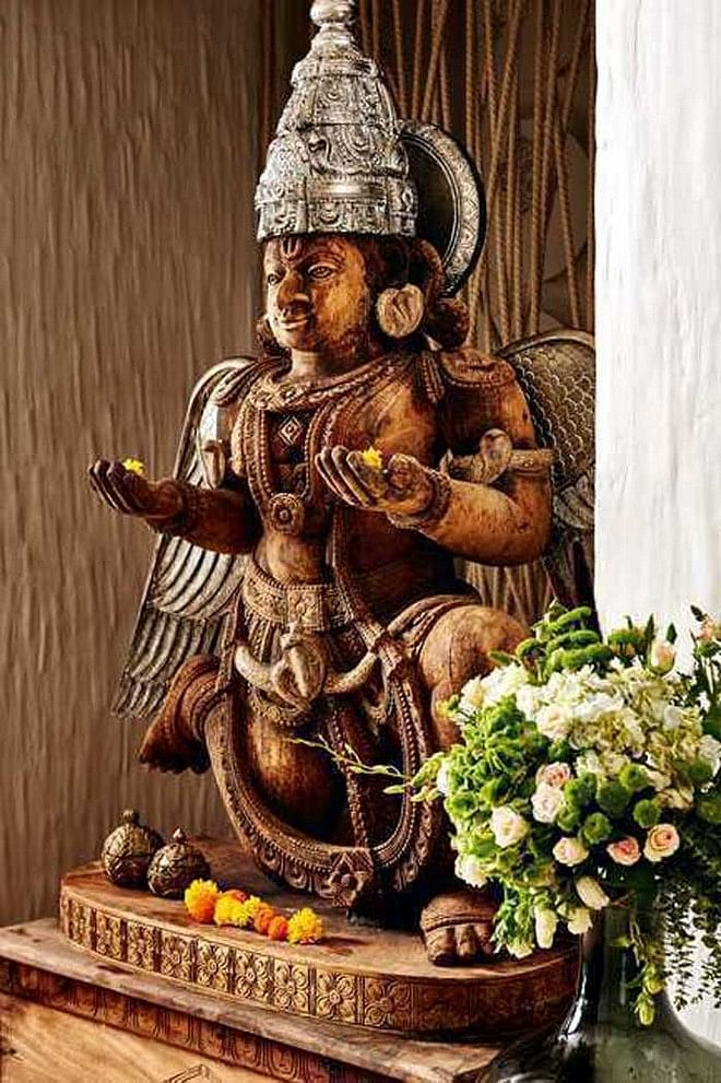 Statues and paintings are a integral part of Twinkle Khanna's scheme of things. (Photo courtesy: Vogue India)