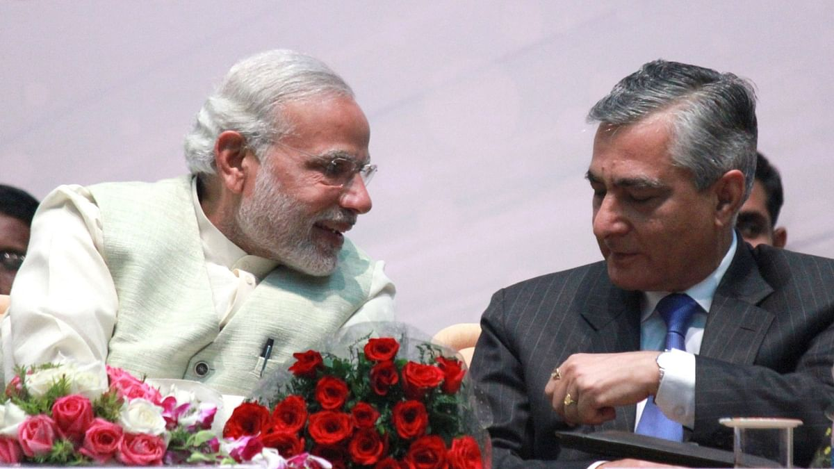 Prime Minister Narendra Modi and Chief Justice of India T S Thakur  during a programme in New Delhi, 9 November 2015. (Photo: Amlan Paliwal/IANS)