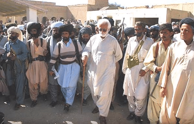 Akbar Bugti leads a group of supporters. (Photo Courtesy: YouTube Screengrab)