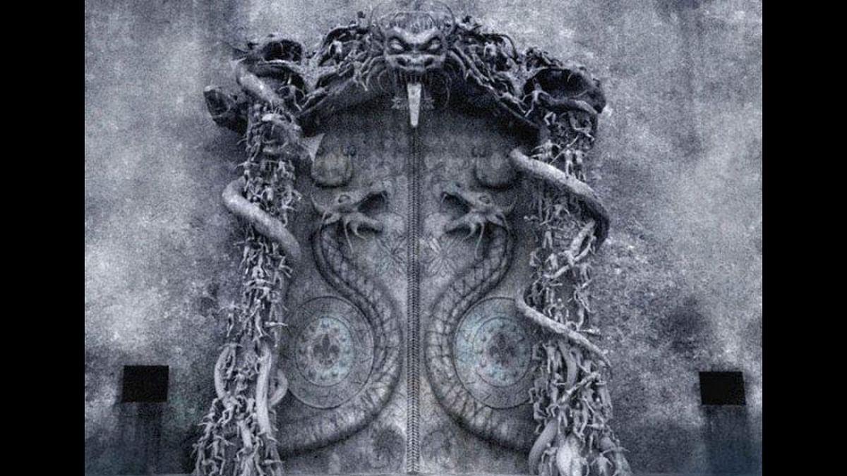 "Sri Padmanabhaswamy Temple Vault B Gate. (Photo Courtesy: <a href=""http://disgiovery.com/misteri-harta-karun-kuil-sri-padmanabhaswamy/"">disgiovery.com</a>)"