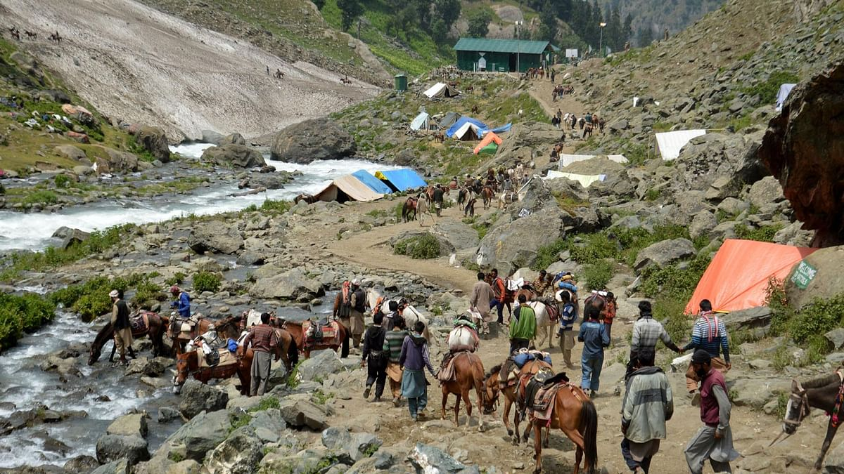 File image of pilgrims on Amarnath Yatra journey to the holy cave of Amarnath in Jammu and Kashmir, dated 2 July, 2016.