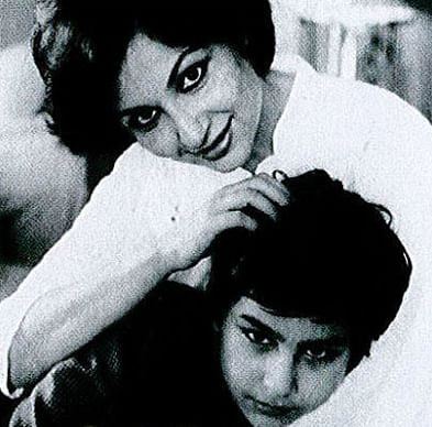 """A young Saif with mother Sharmila Tagore. (Photo courtesy: <a href=""""https://twitter.com/search?f=images&amp;vertical=default&amp;q=saif%20sharmila&amp;src=typd"""">Twitter/ @Mohaniya88</a>)"""