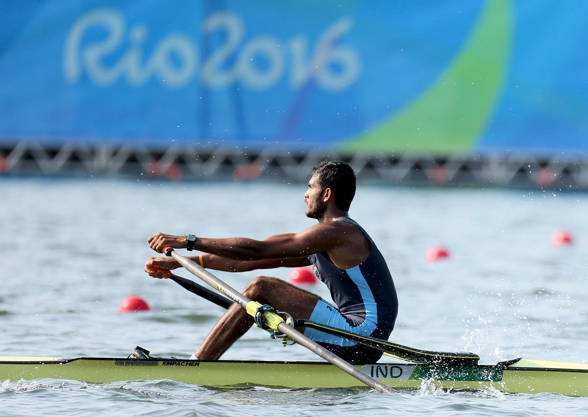 Dattu Baban Bhokanal (IND) of India competes during the men's singles skulls event. (Photo: Reuters)