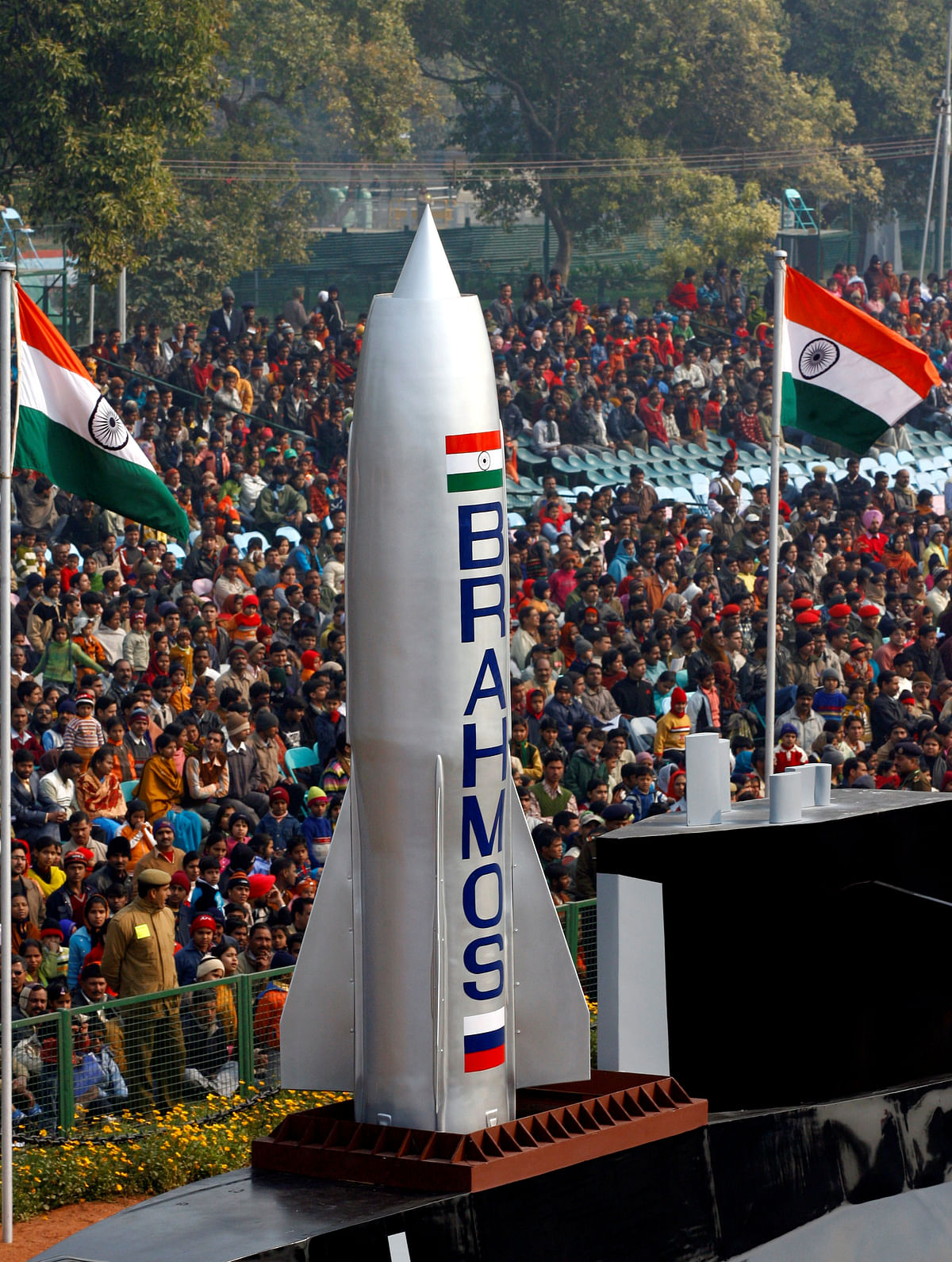 The supersonic BrahMos Cruise Missile has excellent dive attack capabilities and fits in the Indo-Sino border. (Photo: Reuters)