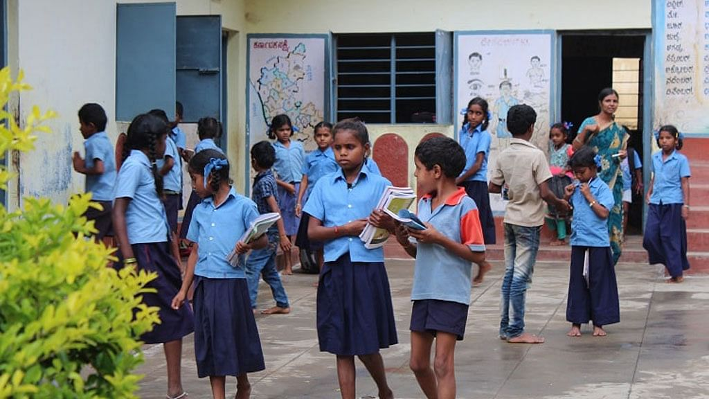 Students from the school where the teenage girl gave birth. (Photo: TNM)