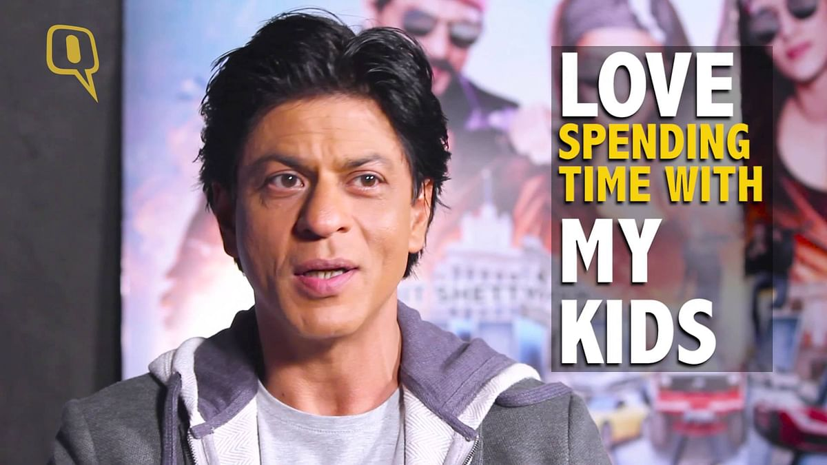 SRK does not like to be interrupted when he's with his family. (Photo: <b>The Quint</b>)