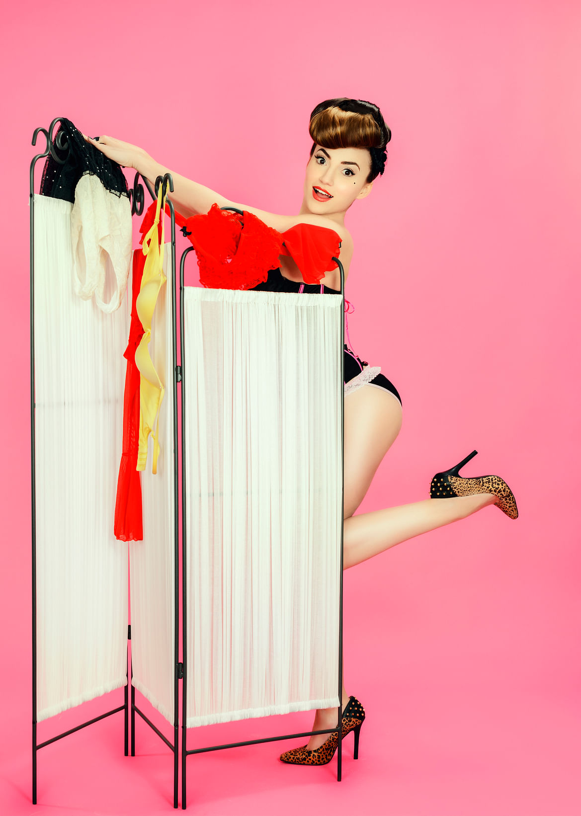 60 years of bra wearing will cost you 24,00,000 without adjusting for inflation.(Photo: iStock)