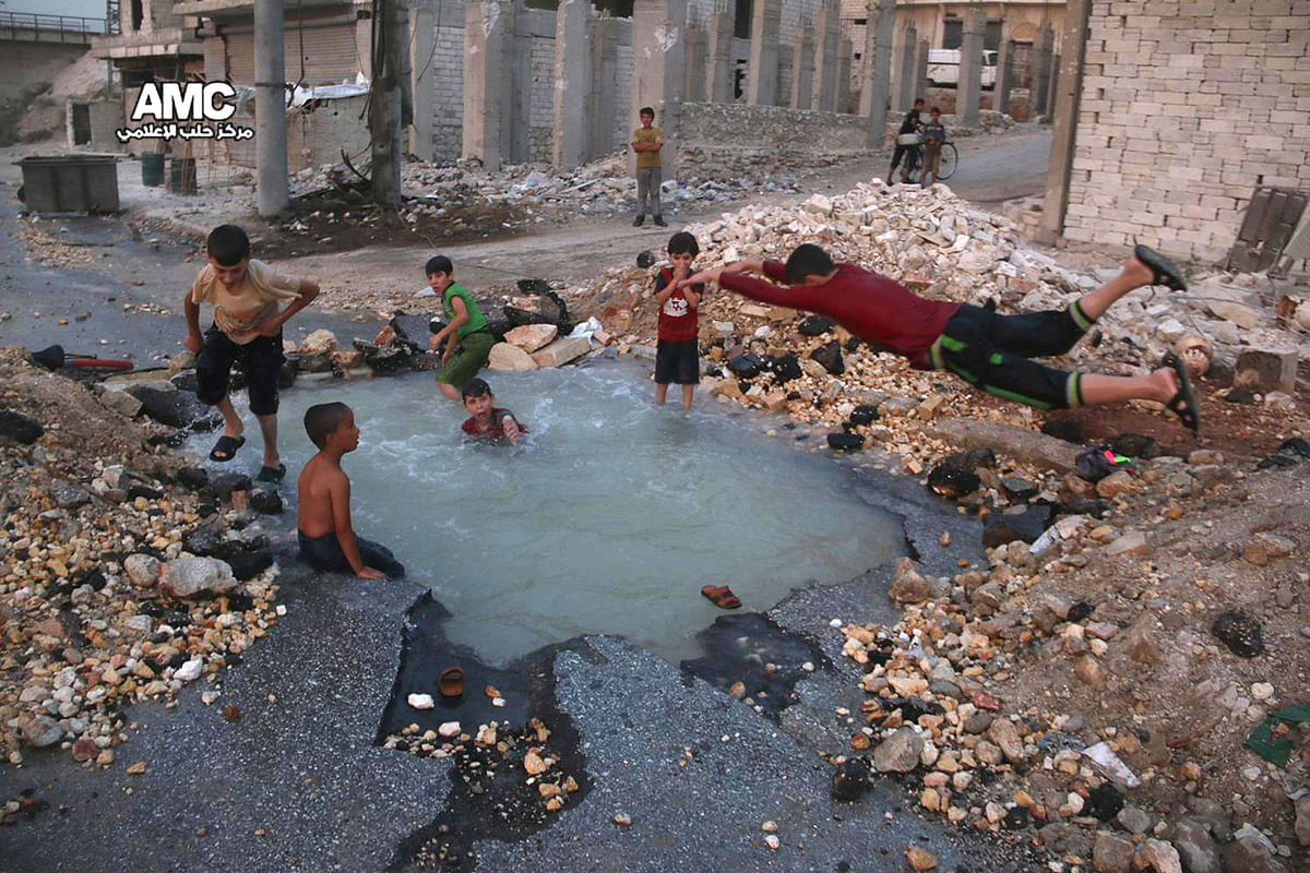 A glimpse into the lives of children living in war-torn areas. (Photo: AP)