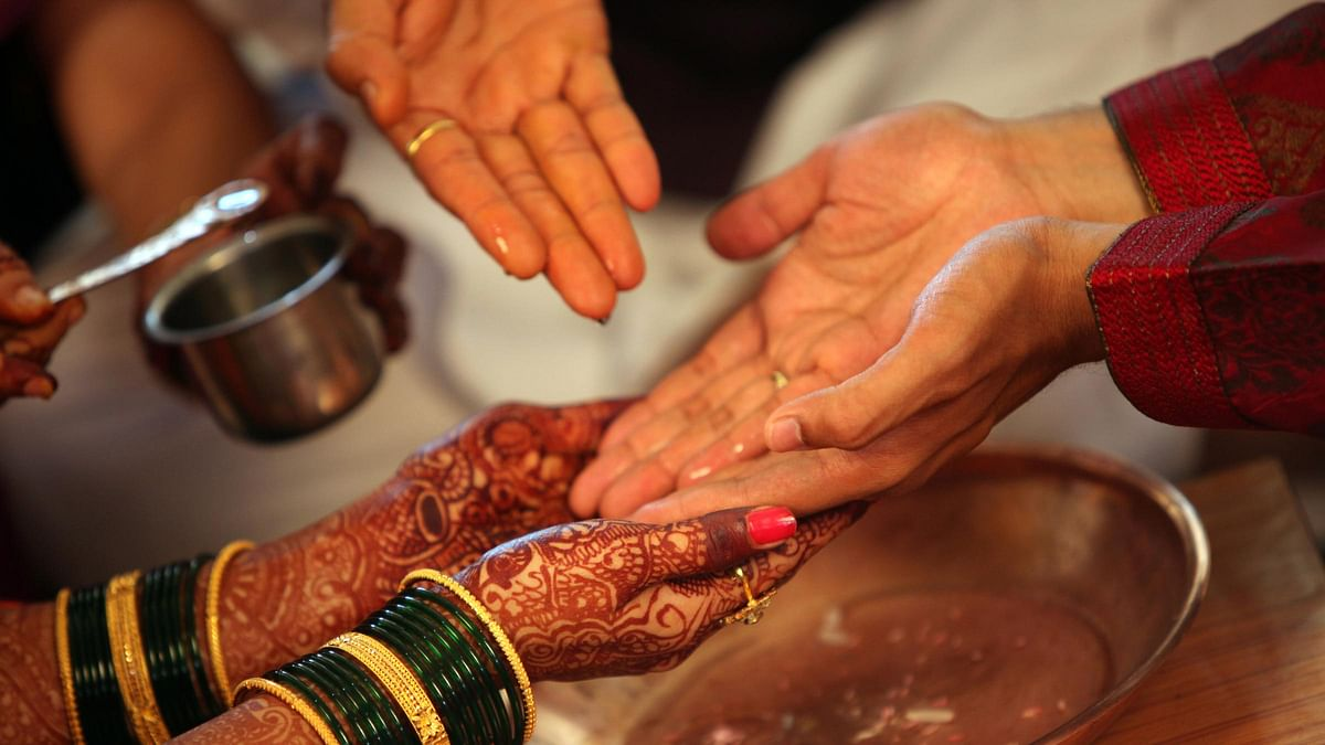 Marriage Between Hindu Woman & Muslim Man 'Irregular': SC