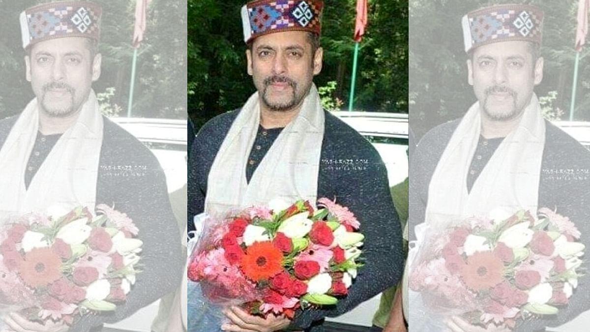 """Salman Khan arrives at Manali. (Photo courtesy: <a href=""""https://twitter.com/KattarSalmaniac"""">Twitter/KattarSalmaniac</a>)"""