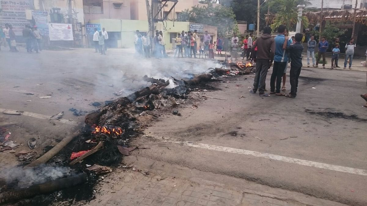 Violence had rocked  Bengaluru after the SC ordered Karnataka to release additional Cauvery river water to Tamil Nadu. (Photo: Parul Agarwal/<b>The Quint</b>)