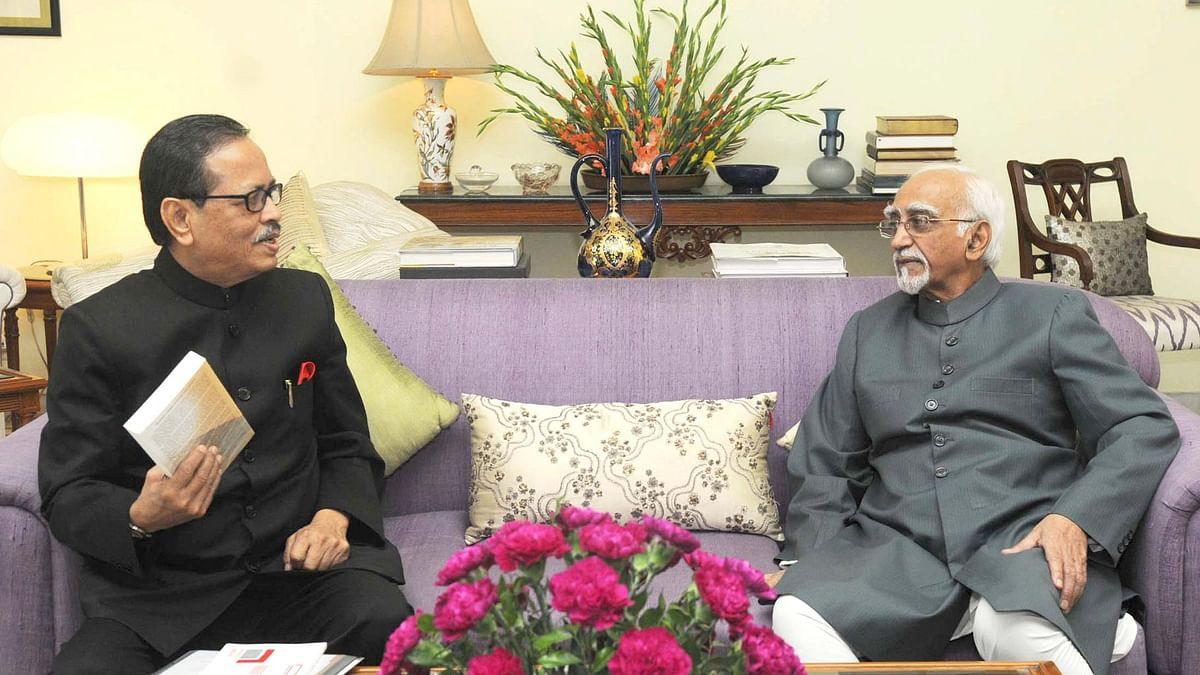 The Governor of Arunachal Pradesh JP Rajkhowa with Vice President, Shri Mohd Hamid Ansari, in New Delhi on 12 June 2015. (Photo Courtesy: PIB)