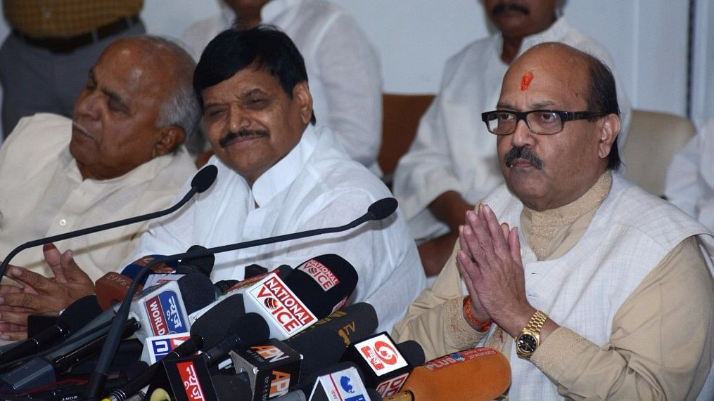 Shivpal Yadav (2nd from left) at a press conference being addressed by Samajwadi Party leader, Amar Singh in Lucknow, 12 June, 2016. (Photo: IANS)