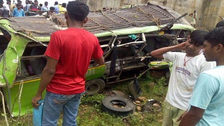"15 people are  feared to be dead in a bus accident in Odisha. (Photo Courtesy: <a href=""http://www.ommcomnews.com/"">www.ommcomnews.com</a>)"